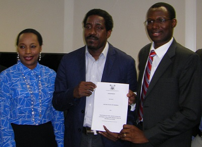 L-r, Nike Animashaun, permanent Secretary, Ministry of Science and Technology, Biyi Mabadeje, Commissioner for Science and Technology, and Gbenga Adebayo, chairman, Association of Licensed Telecommunications Operators of Nigeria (Alton) at the singing of MoU between Lagos State government and telecom operators yesterday at Alausa, Ikeja, Lagos