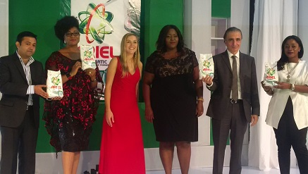 (L-r): Seenath Ganeshbabu, head, Appliances marketing manager, LG Electronics, Funmi Ladipo, president, FADAN, Jeanne du Plessis, Ariel communications manager, sub-Saharan Africa, Ehis Enekabor, commercial and brand director, P&G Nigeria, George Nassar, vice president and general manager P&G Nigeria and Folake Folarin-Coker, founder & chief designer, Tiffany Amber, during the P&G launch of Ariel Automatic into the Nigerian market in Lagos recently.