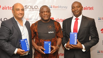 (L-r): Ian Abrahams, CEO, RenMoney; Tayo Ogundipe, CEO, SOLO Nigeria Limited, and Wole Abu, vice president, Indirect Sales, Airtel Nigeria, during the launch of Airtel SOLO Aspire M in partnership with SOLO Limited and RenMoney in Lagos on Wednesday.