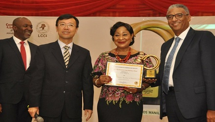 (R-l):  Ahmad Mokhles, Chief Commercial Officer, Airtel Nigeria; Dr. Mrs. Nike Akande, President, Lagos Chamber of Commerce and Industry; Chao Xiaoliang, Chinese Consul General in Lagos and Wole Abu, Vice President, Indirect Sales, Airtel Nigeria, during the presentation of Service Excellence in Telecommunication Award to Airtel Nigeria at the 2017 Lagos Chamber of Commerce and Industry Awards held in Lagos, recently.